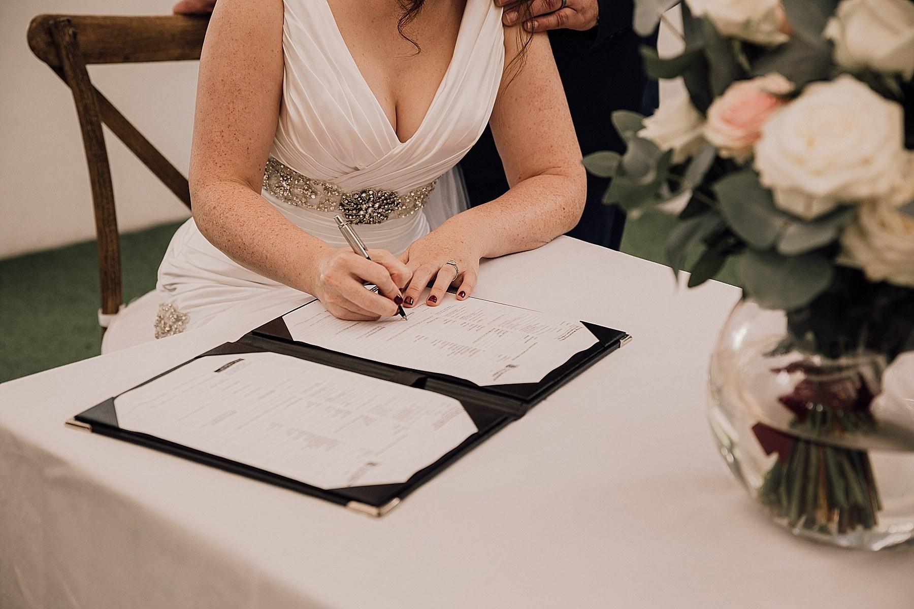 Allely Estate Wedding Auckland Wedding Photographer - Jana & Laurie_0134.jpg