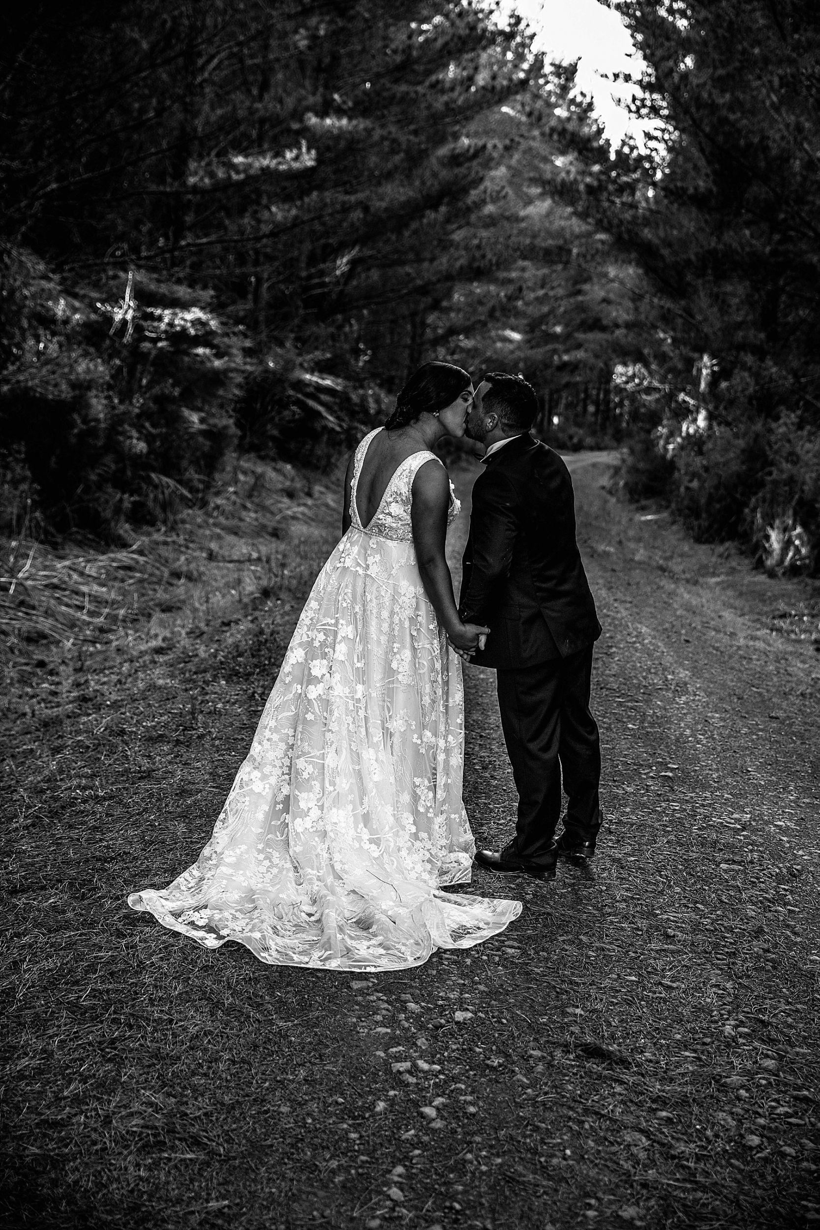 Kumeu Valley Estate Wedding Auckland Wedding Photographer - Hayley & Scott_0086.jpg